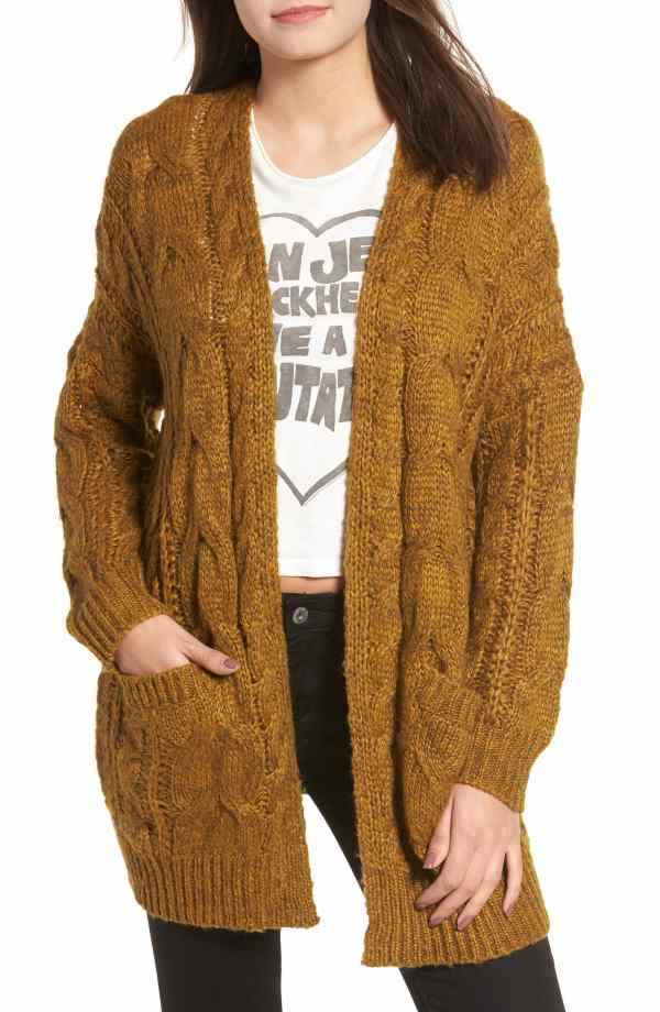 DREAMERS BY DEBUT Chunky Cable Knit Cardigan