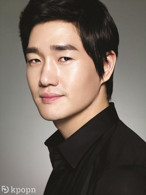 劉智泰簽約加入 BH Entertainment,與李秉憲,韓孝周成同門 - Kpopn