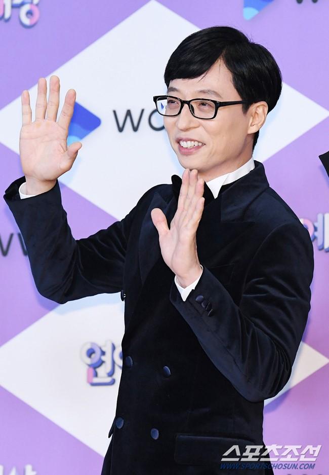 劉在錫獲《SBS 演藝大賞》大賞,感言提想念荷拉與雪莉 - Kpopn