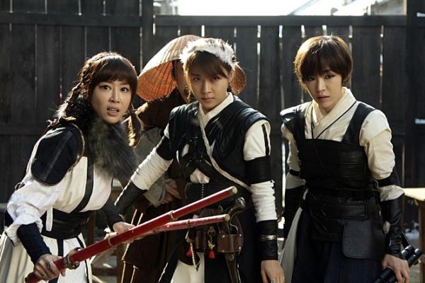 朝鮮美女三銃士 - Kpopn