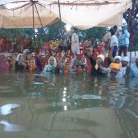 Narmada   #JalSatyagrah  - Agitating villagers' skin  and blood shedding after continually standing in water