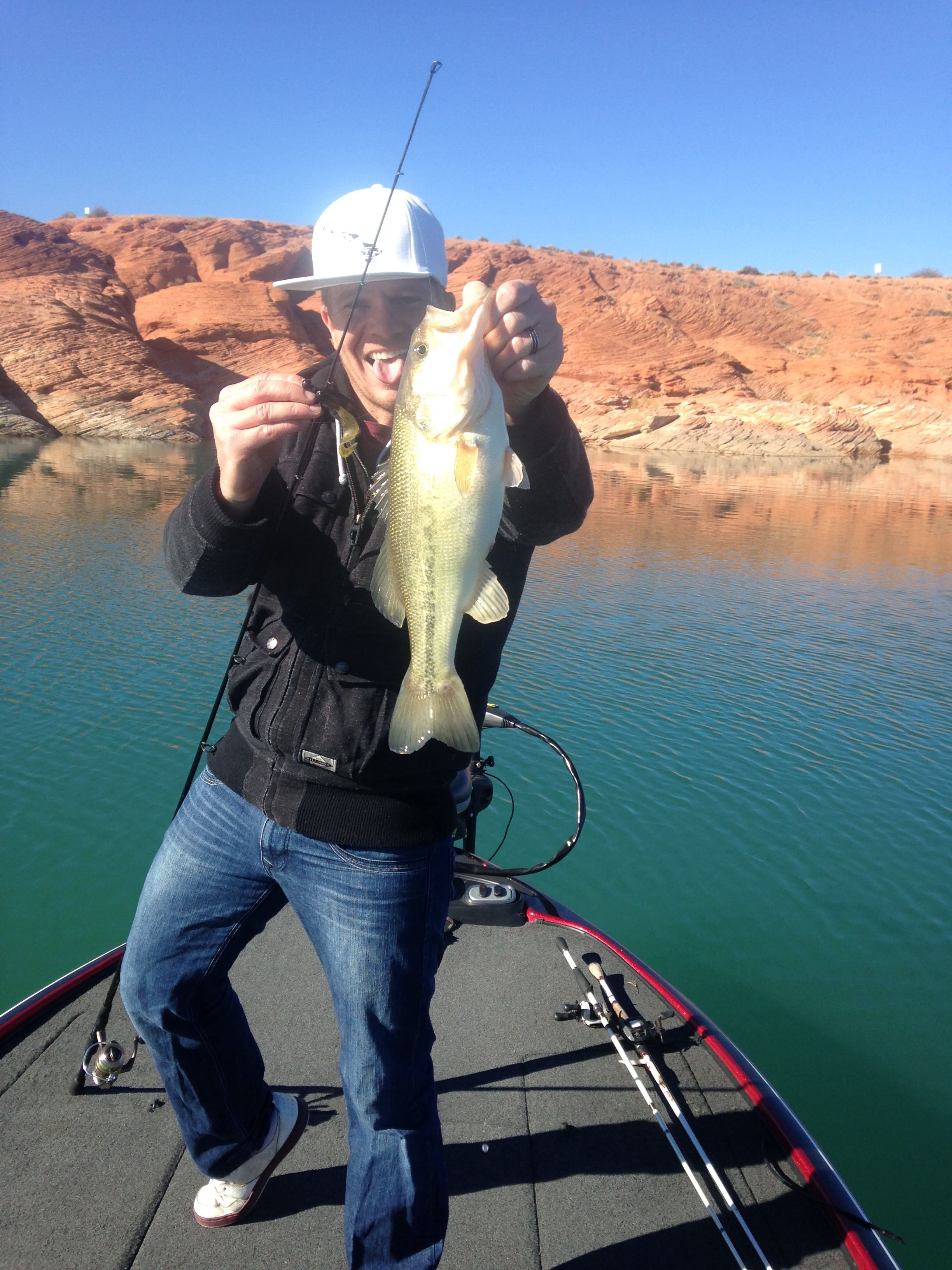Sand hollow winter bass fishing kraken bass for Sand hollow fishing report