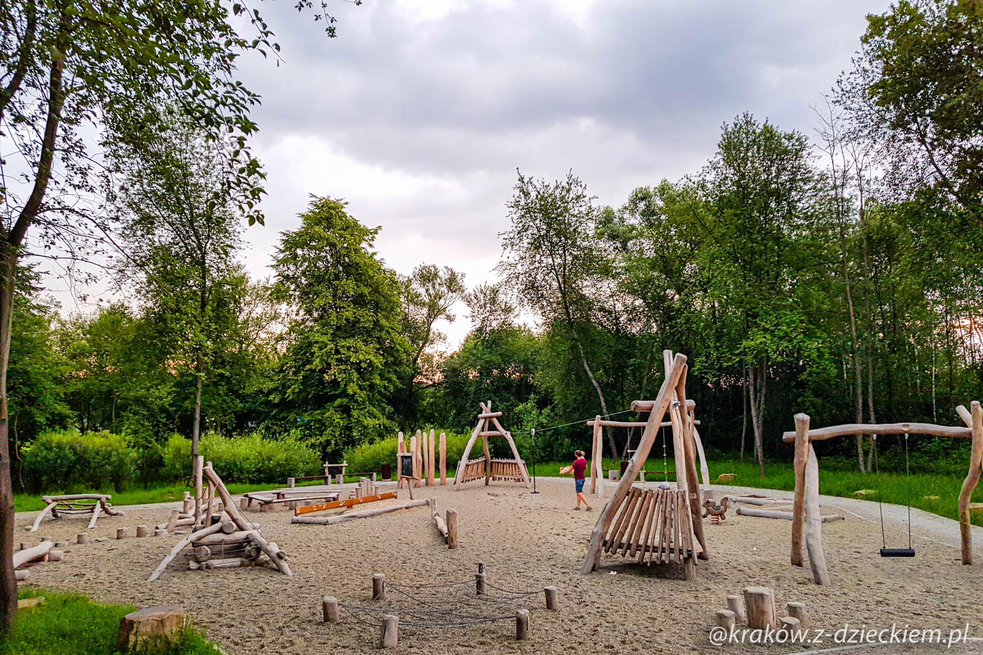 naturalny plac zabaw w Dobczycach