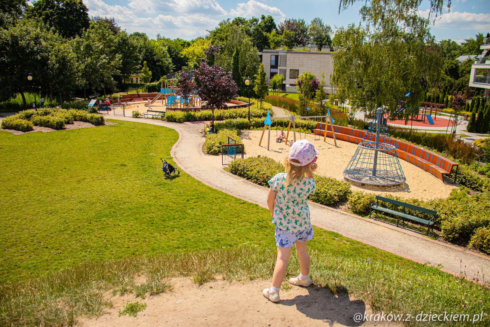 Park Dębnicki z dzieckiem