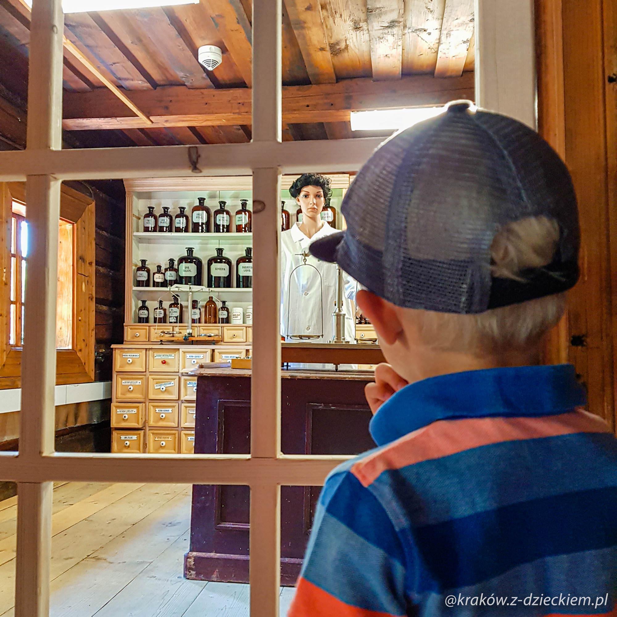 apteka w orawskim parku etnograficznym