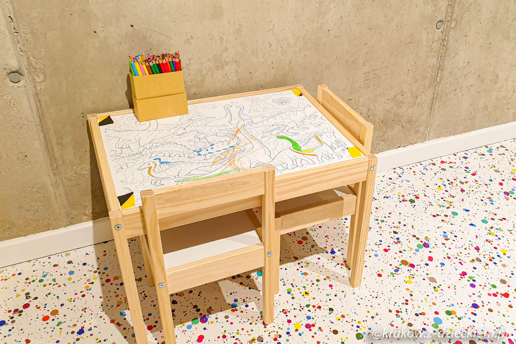 stolik do malowania