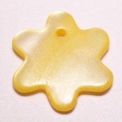 parelmoer hanger zon geel 12 mm