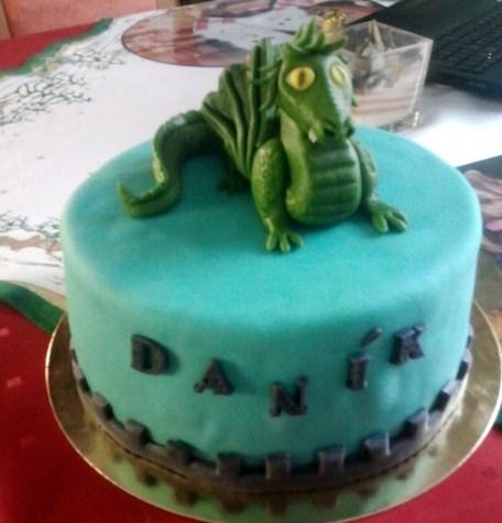 Dětský dort s drakem