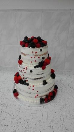 Svatební s lesním ovocem