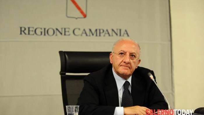 """De Luca: """"Rispetto misure sicurezza in cerimonie Pasqua"""". L'ordinanza"""