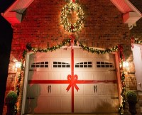 7 Awesome Tips to Decorate Your Garage Door for Christmas ...