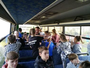 krav-maga-bruxelles-cours-dans-bus-3