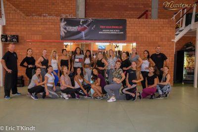 krav maga bruxelles cours pour les candidates miss belgique photo de tout le groupe cours auto défense femme
