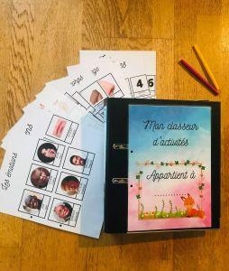 Avec le code PRECOMMANDE ( à mettre sur le site lors de votre commande) vous avez : - 5 euros de réduction sur les deux classeurs complets et les kits DIY (produit exclu les pdf à imprimer) - 2 coloriage de noël avec les prénoms de votre choix imprimés ajoutés à votre commande - 1 jeu inédit mémory de noël à colorier imprimé sur papier épais (200g) ajouté à votre commande - le pdf du calendrier médium à colorier envoyé par email Pour valider cette offre il faudra au moins 13 commandes sans quoi vous serez intégralement remboursé. Les commandes seront livrées début Décembre pour être glissé sous le sapin 😉 Les frais de port ne sont malheureusement pas offert (la poste de ne faisant pas de prix de gros...désolée) c'est pourquoi je vous ai ajouté plein de cadeaux!
