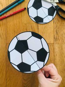Activité manuelle foot pour enfant
