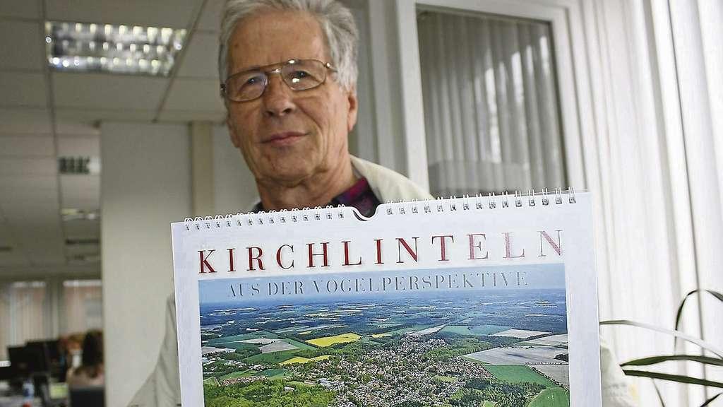 Fotograf und Segelflieger Erich Schwinge bringt
