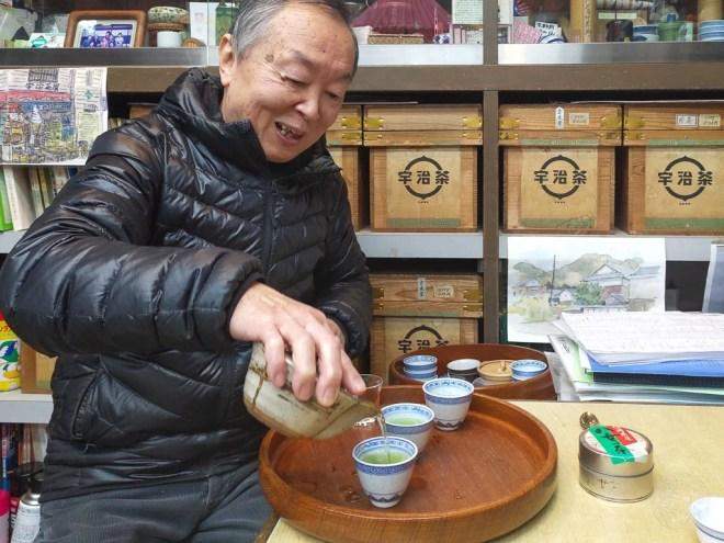 051 - Osaka Der kleine Teeladen - Tee Zeromonie
