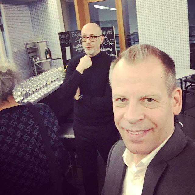 Selfie mit dem Künstler #holgerschmidhuber #museumwiesbaden