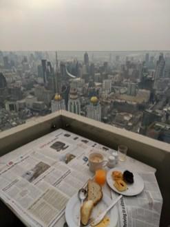 Frühstückstisch - 81. Stockwerk