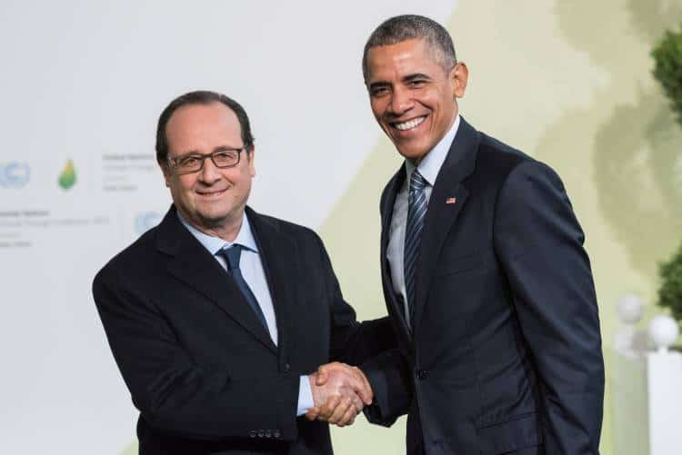 LE BOURGET, FRANCE - NOVEMBER 30, 2015 : French President Francois Hollande and Barack Obama, President of United State of America at the Paris COP21, United Nations Conference on Climate Change. Photo: Frederic Legrand - COMEO