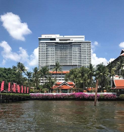 Das Avani Riverside vom Chao Phraya gesehen