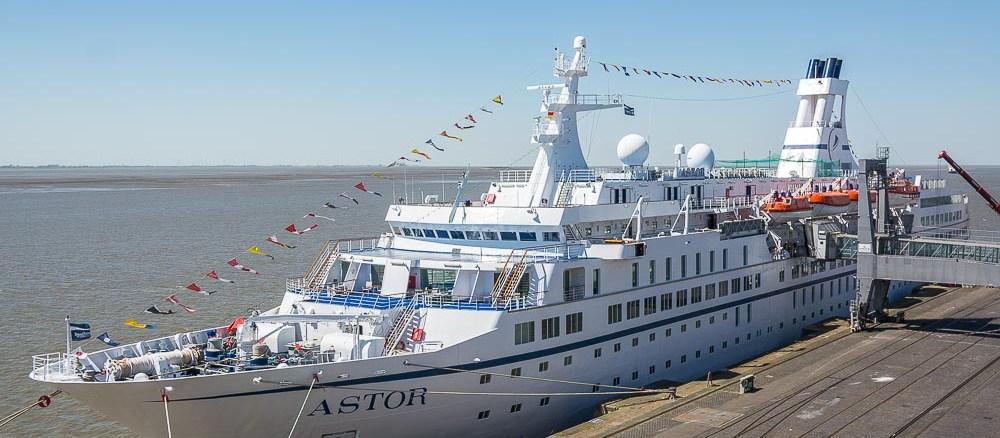 Die MS Astor in Bremerhaven