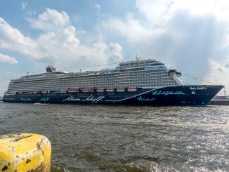 Die Mein Schiff 1 in Hamburg