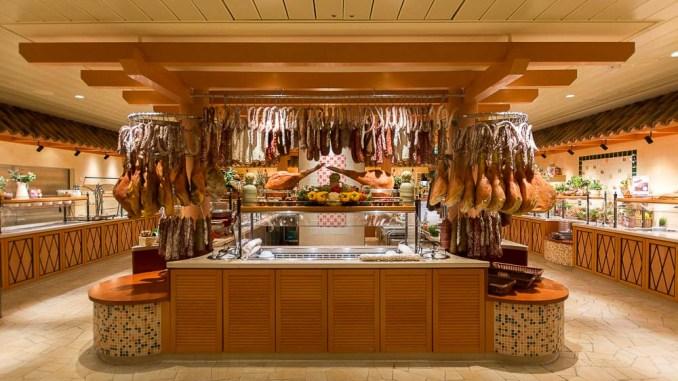 Blick in das Bella Donna Restaurant der AIDAperla
