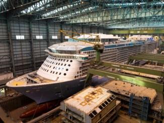 Die Spectrum of the Seas im Baudock der Meyer Werft. Foto: Meyer Werft/Michael Wessels