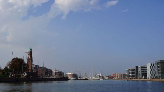 Der neue Hafen mit seinem Wahrzeichen, dem Simon-Loschen-Turm