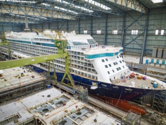 Spirit of Discovery in der Baudockhalle. Foto: Meyer Werft/ Michael Wessels