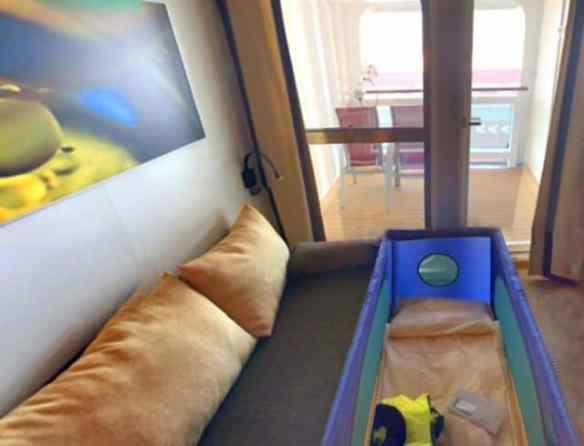 Balkonkabine AIDAperla oder AIDAprima mit Babybett