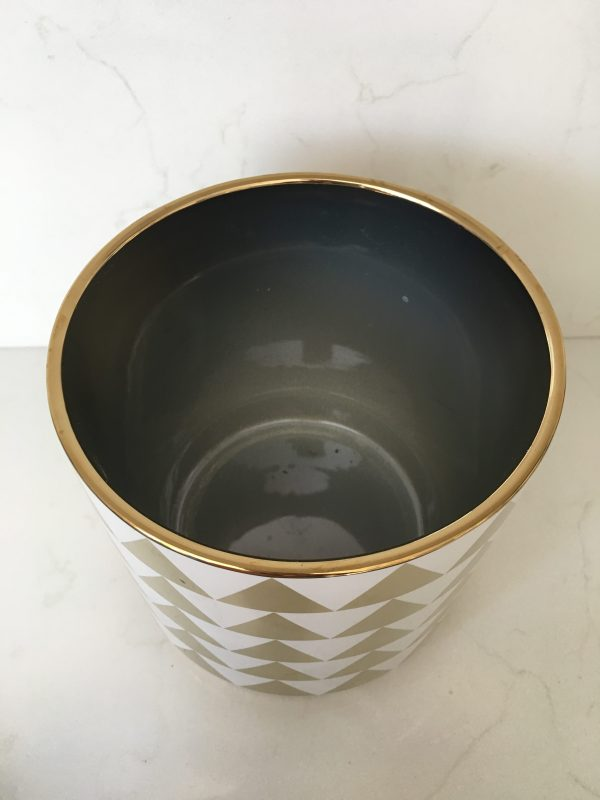 gold triangle planter