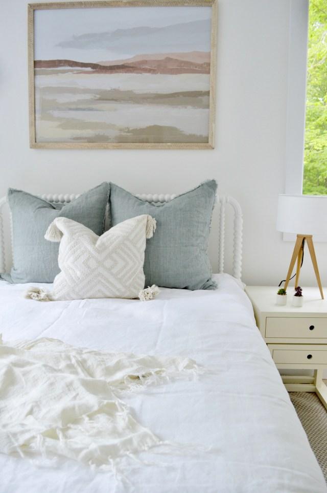 hamptons bedroom