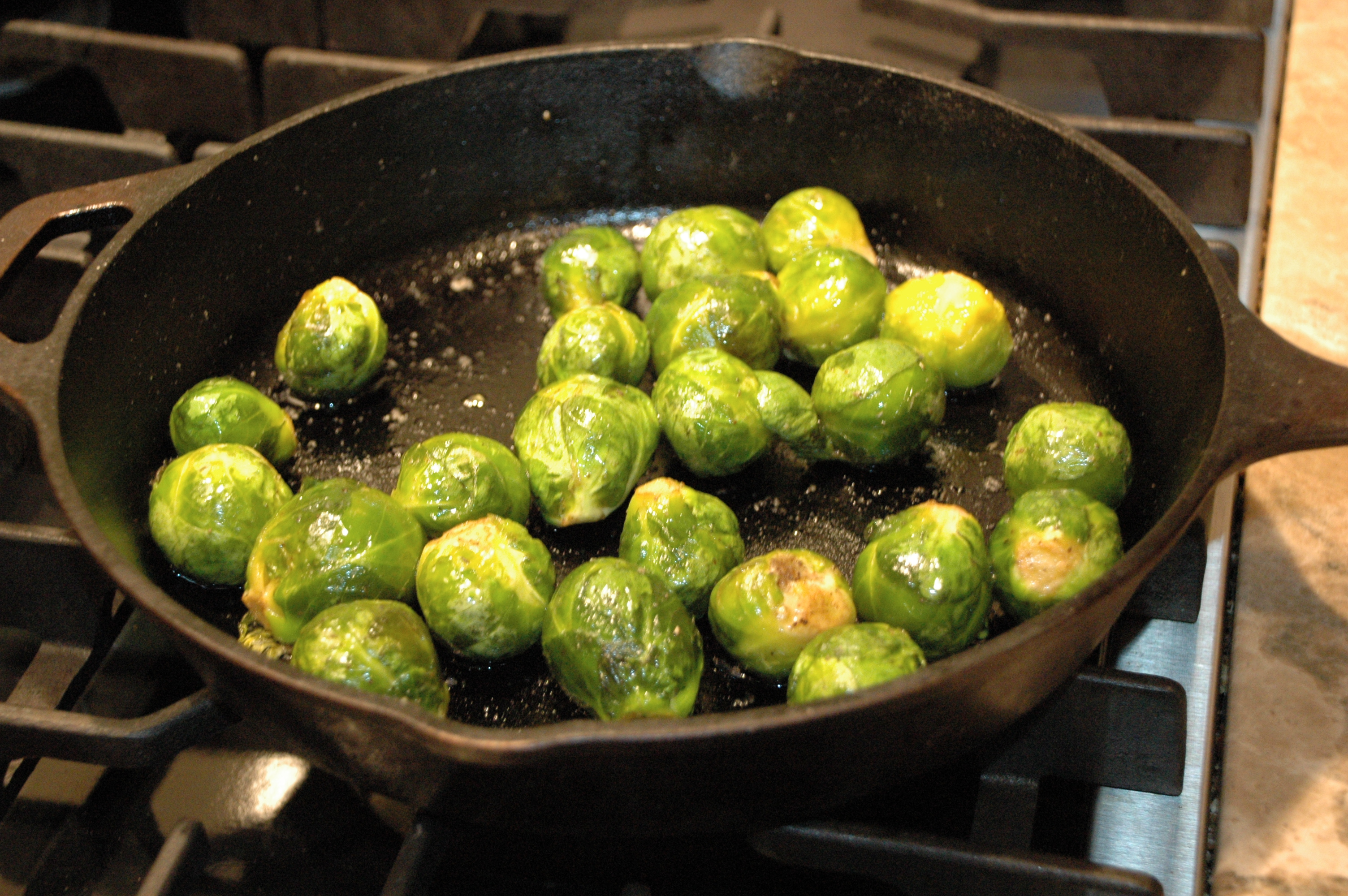 how to cook frozen brussel sprouts in a pan