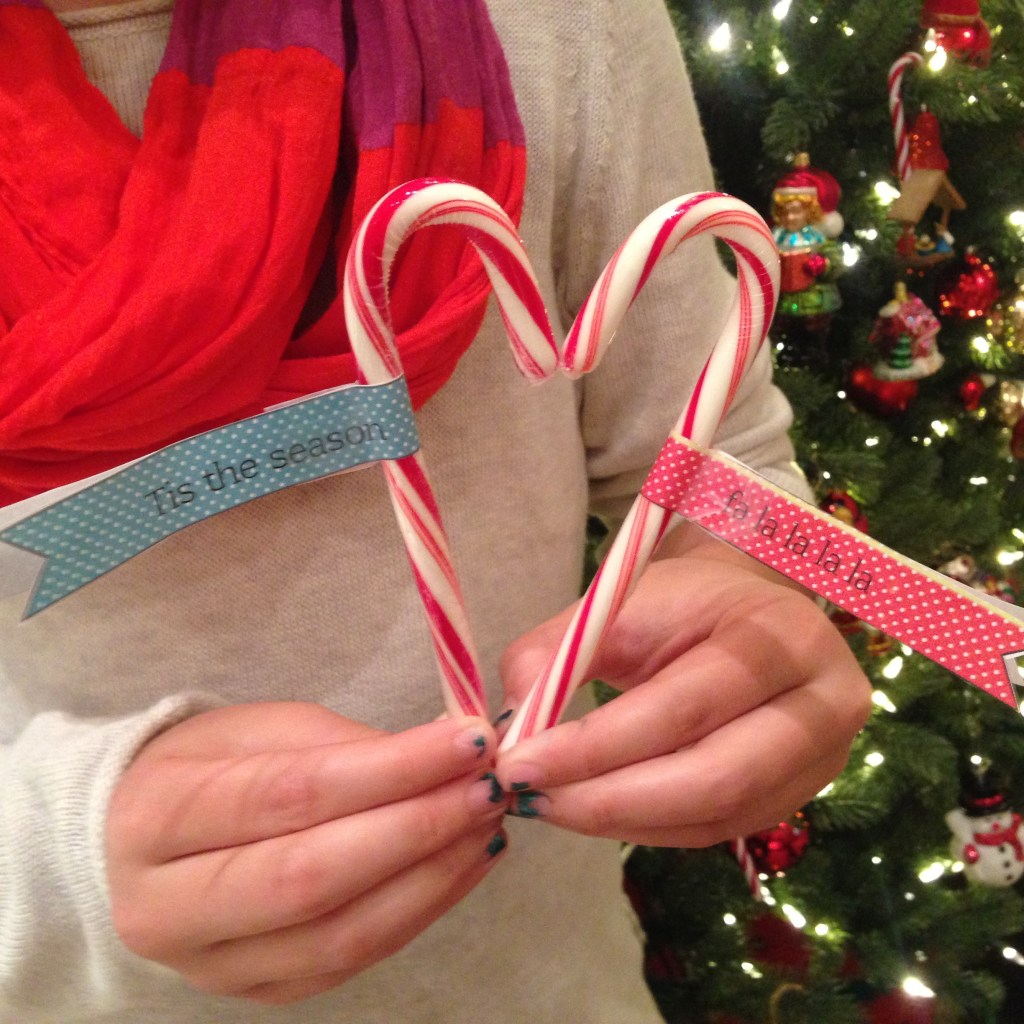 Candy Cane Tags for The Turquoise Table | kristinschell.com