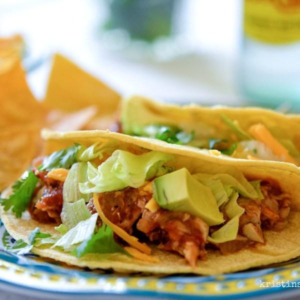Crock Pot Chicken Tinga Tacos