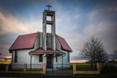 Kaplica w Sikorzynie