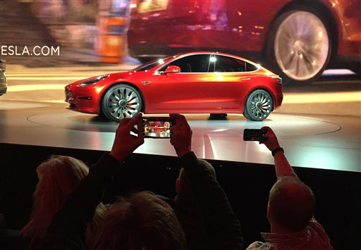 CORRECTION APTOPIX Tesla Lower Priced Car_339621