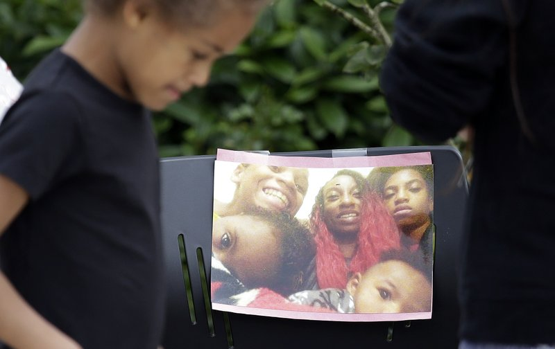 mother of 4 killed by police_579493