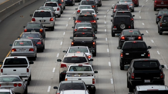 cars-traffic-traffic-jam-freeway-highway-congestion_33079188_25838012_ver1-0_640_360_690300