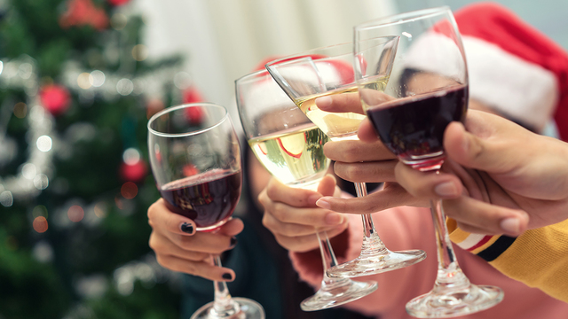 holiday2520drinking2520wine_1512146104080_320174_ver1-0_29777838_ver1-0_640_360_679639