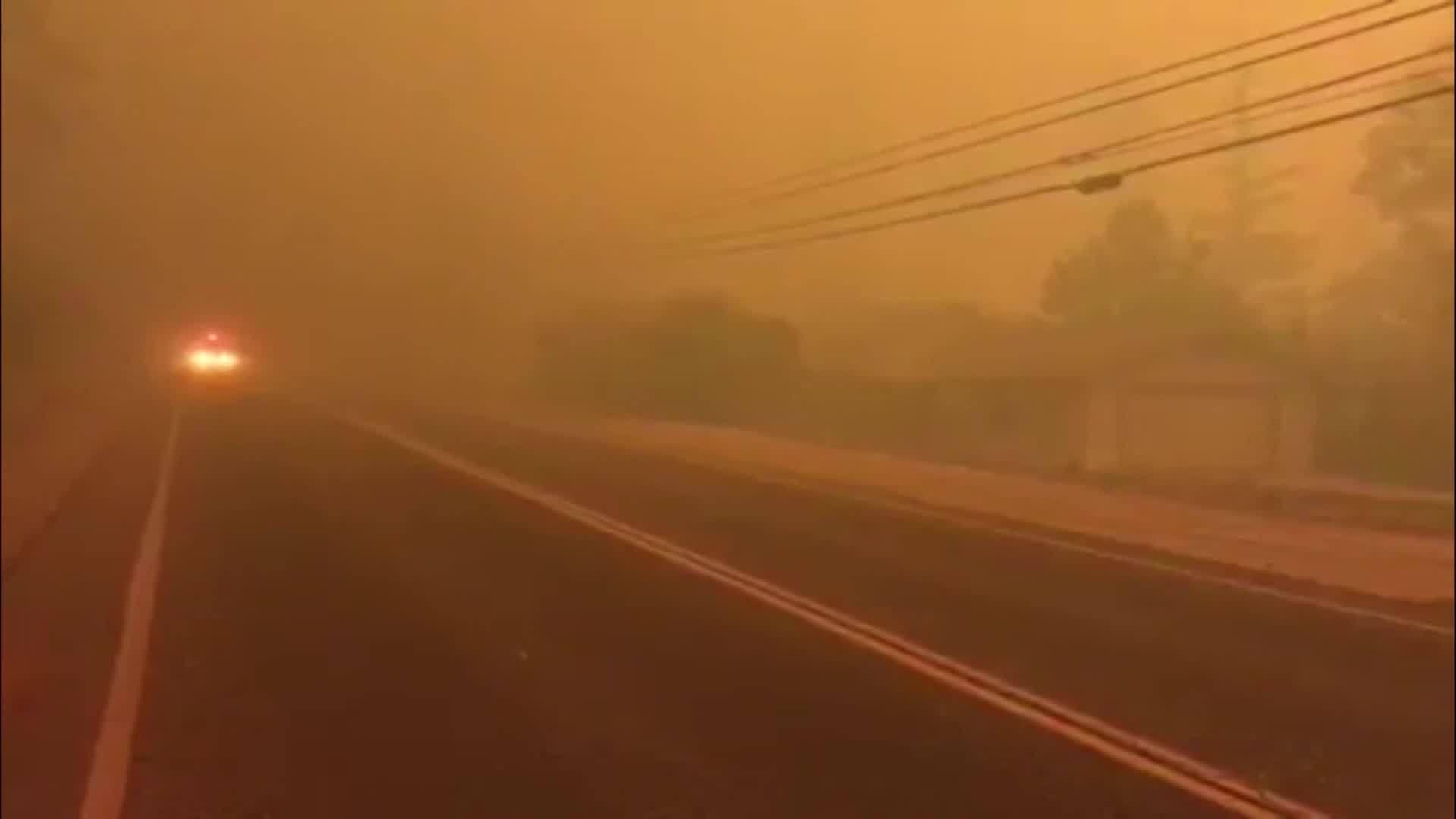 Orange_glowing_smoke_for_Camp_Fire_as_re_0_20181108221912