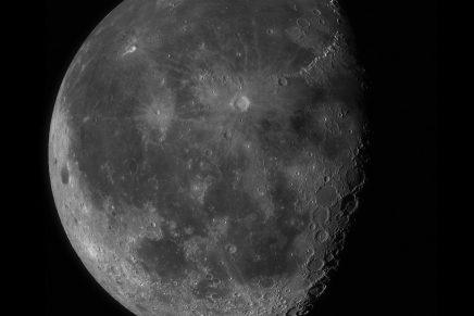De maan in 100 megapixel