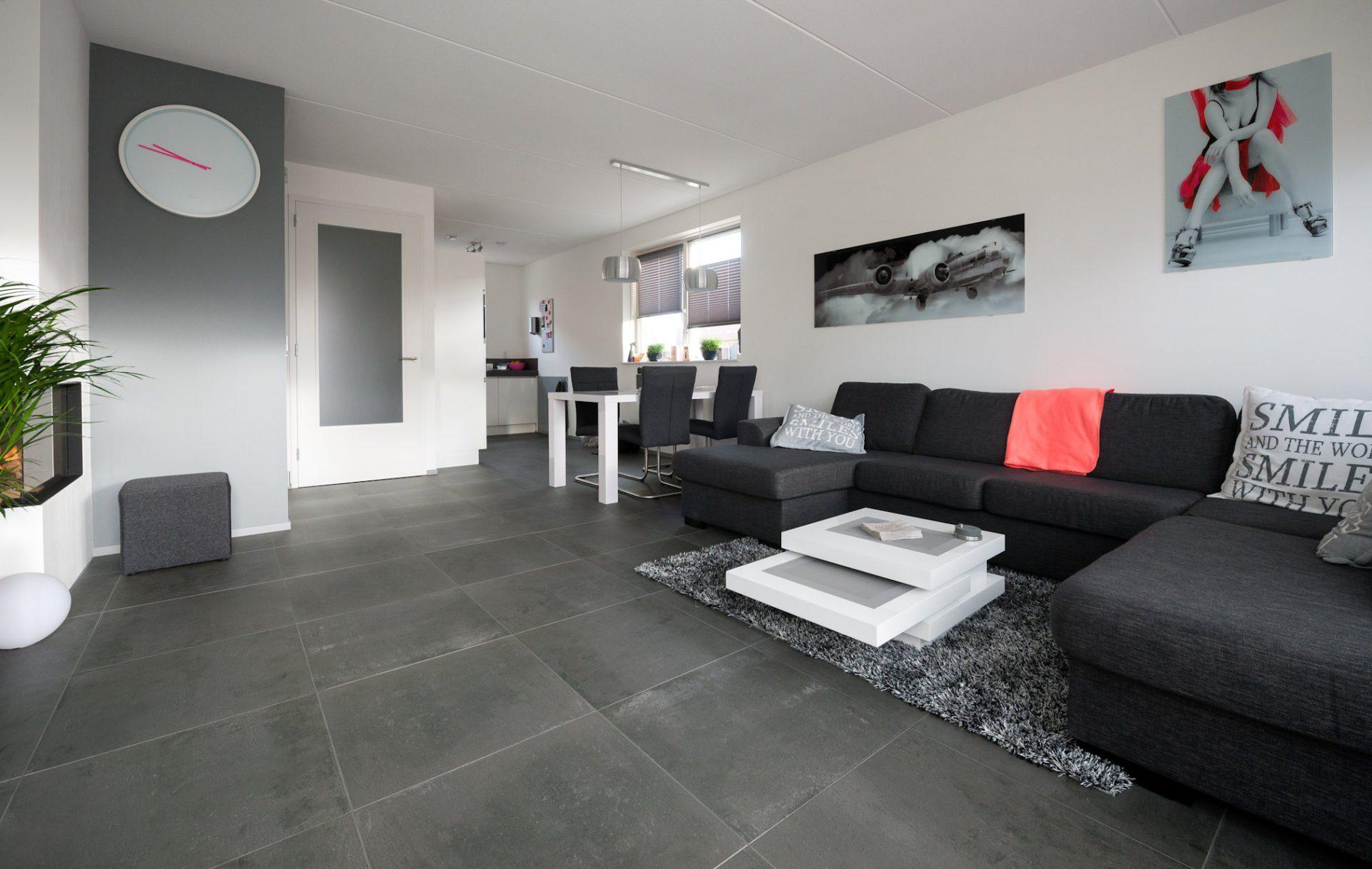 Antraciet tegels in NieuwLekkerland  KROON Vloeren in Steen