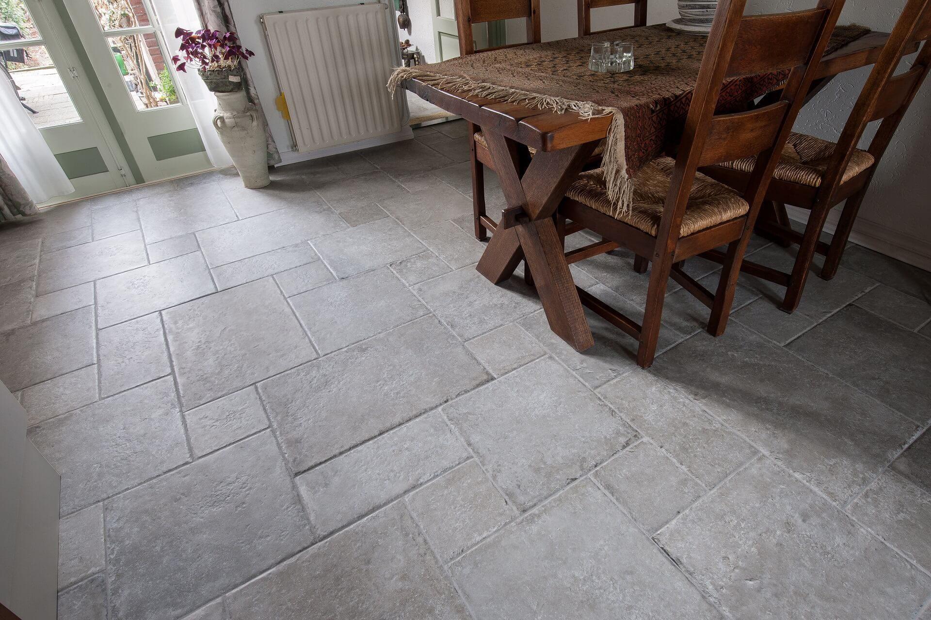 Vloertegels in romaans verband te Asperen  KROON Vloeren