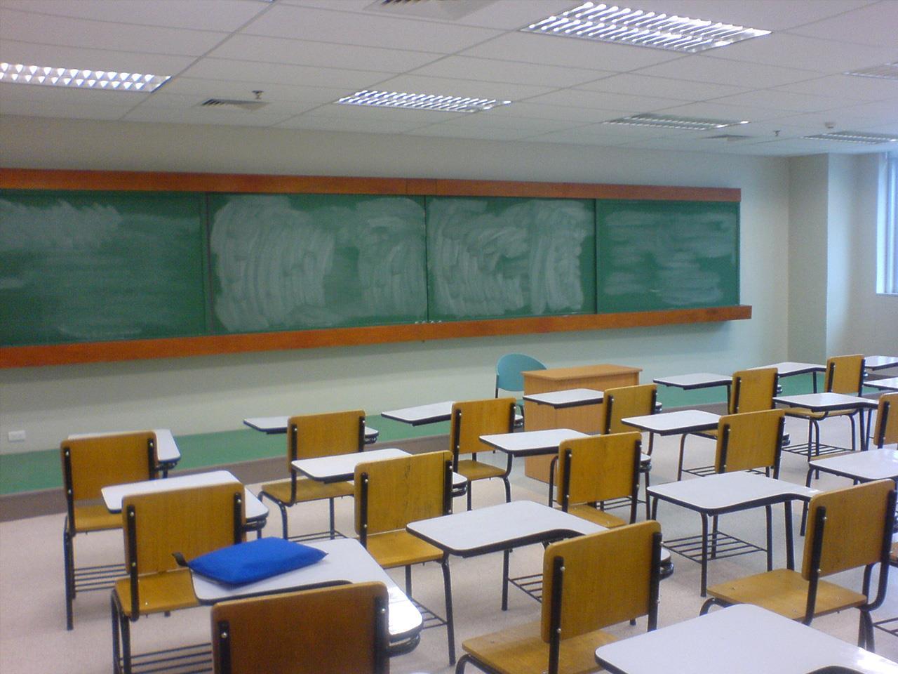 mgn-school-classroom-desks_312772