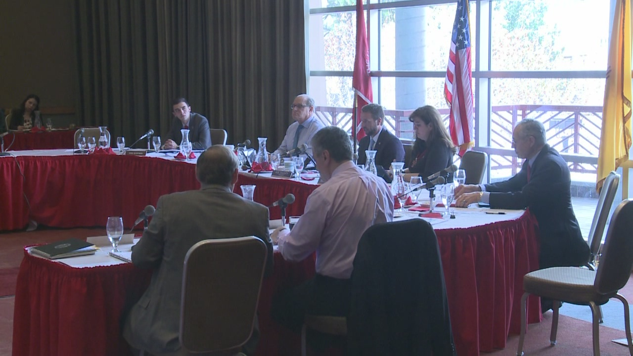 unm-regents-pay-thousands-extra-to-keep-frank-around_447934