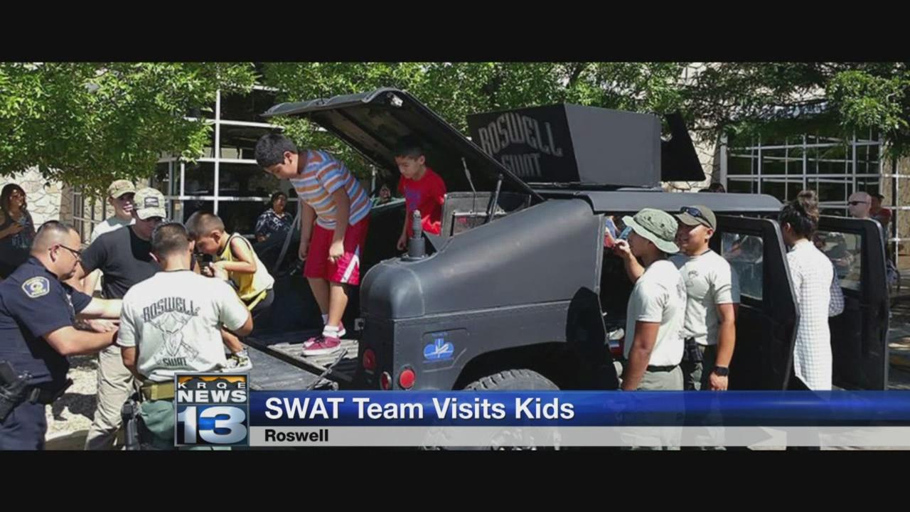 SWAT team visits kids_629831