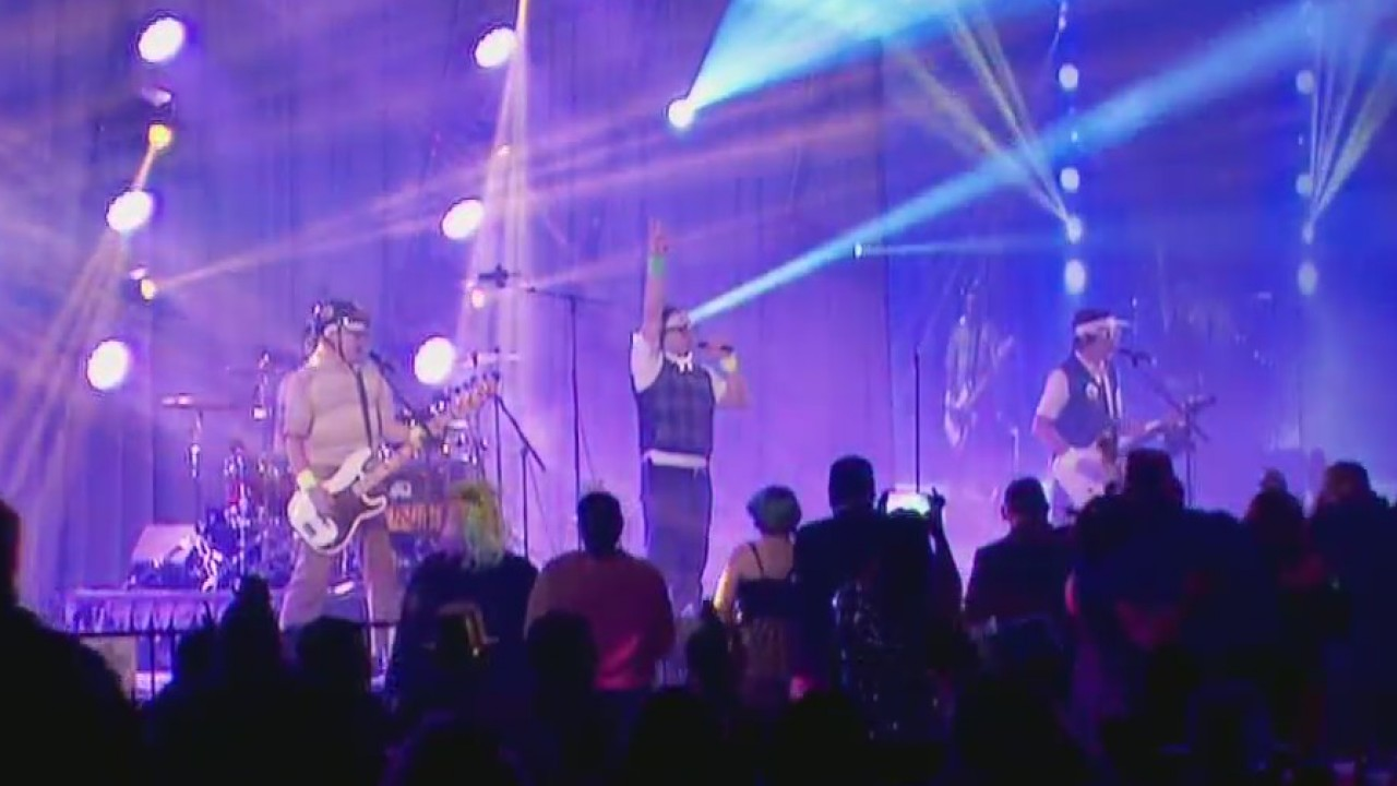 NYE LIVE SPAZMATICS PERFORMANCE_1546324109598.jpeg.jpg